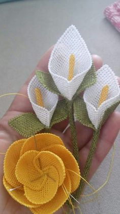 This Pin was discovered by Ayl Flower Crafts, Diy Flowers, Crochet Flowers, Fabric Flowers, Cross Stitch Embroidery, Hand Embroidery, Wire Crochet, Bargello, Needlework