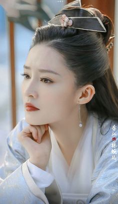 transmigration novels just like Qing Yu Nian on Flying Lines. Novel list 2019 you must read ❤❤❤❤ Iu Hair, Maroon Prom Dress, Princess Agents, Model Face, Asian Hotties, China Girl, Traditional Fashion, Chinese Model, Chinese Actress