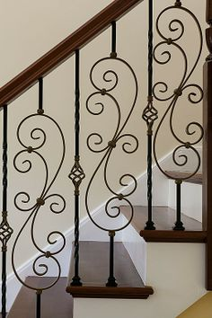 Traditional Staircase – Come find more on Zillow Digs! Traditional Staircase – Come find more on Zillow Digs! Staircase Railing Design, Interior Stair Railing, Metal Stair Railing, Balcony Railing Design, Staircase Remodel, Staircase Makeover, Wrought Iron Stair Railing, Traditional Staircase, Iron Decor