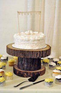 Cake stand for rustic wedding