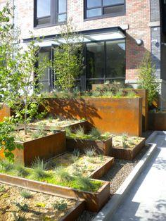 Nice dimensions for raised beds - A Richard Serra-esque Landscape in Carroll Gardens Urban Garden Design, Modern Landscaping, Garden Landscaping, Landscape Architecture, Landscape Design, Chinese Architecture, Garden Beds, Home And Garden, Carroll Gardens
