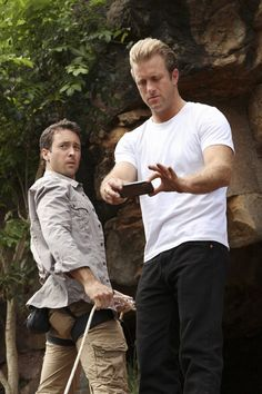 Still of Scott Caan and Alex O'Loughlin in Hawaii Five-0