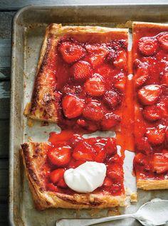 Ricardo& recipe : Quick and Easy Strawberry Pie Easy Strawberry Pie, Strawberry Recipes, Easy Desserts, Delicious Desserts, Dessert Recipes, Yummy Food, Tart Recipes, Baking Recipes, Dressing For Fruit Salad