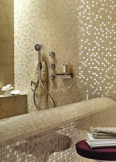 Stonevision de Marazzi - carreaux de céramique pour mur salle de bains