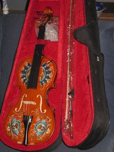 1000+ images about Musical instrument art on Pinterest | Painted ...