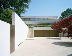 Villa on Lake Lucerne | Lucerne, Switzerland | Architect Daniele Marques | photo by Ruedi Walti