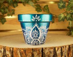 Painting flower pots hippie 66 ideas for 2019 - DIY - Painted Plant Pots, Painted Flower Pots, Flower Planters, Cactus Flower, Succulent Planters, Hanging Planters, Cheap Planters, Tall Planters, Cacti Garden