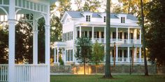 This exterior is Southern perfection. LOVE it!