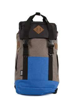 Black and Blue G.Ride backpack. Material polyester 600D Cationic . 1 large compartment with inside laptop and zip pocket. Lateral zip for easy access.  Zip Pocket on flap. Flat pocket on front and 2 zipped side pockets. Sueded patchs on flap and sides. Drawstring closure and 2 tucks with harness attach. High quality double handle with snap attach. Reinforced base. High dentisty quilted back and shoulder straps. Size : 33 x 18 x 56
