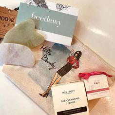 Photo by REFINED AESTHETICS in Sandpoint, Idaho with @mizzicosmetics, @oneloveorganics, @thebeautynurse, and @beedewy.  #Regram via @www.instagram.com/p/B2XHtwpn3oD/ Dewey Skin, Sandpoint Idaho, Gua Sha, Massage Tools, Alternative Therapies, Beauty Routines, Peppermint, Bee, Aesthetics