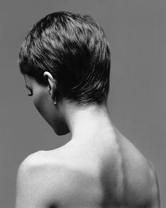 Richard Avedon Mia Farrow, actress, New York, January 1966 Hair Inspo, Hair Inspiration, Richard Avedon Photography, Current Hair Trends, Hair Blog, Pixie Hairstyles, Pixie Cut, Portrait Photography, Short Hair Styles