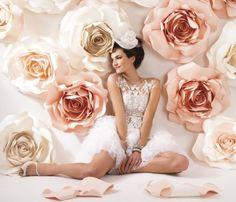 Oversized paper roses for backdrop - Love!