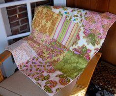 The Cottage Home: Fat Quarter Baby Quilt & Burp Cloths