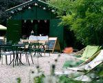 Le pavillon du lac  Place Armand Carrel, 75018, Paris Heure d'ensoleillement : toute la journée   Botzaris ou Bolivar