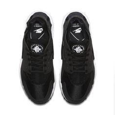 cheap for discount ae41a 4fc11 Air Huarache Women's Shoe. Huaraches NegrosTenisNike Air HuaracheZapatos  NegrosZapatillas Para Correr