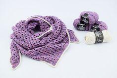 Hæklet tørklæde/sjal i Granny stripes  Hæklet tørklæde/sjal i et nemt og enkelt Granny Stripes mønster. Tørklædet er hæklet i Mayflowers Spring garn, som er69% bomuld og 31% hør. Spring garnet er utrolig lækkert, og helt perfekt til dette tørklæde. Garnet findes i 6 forskellige farver, og alle med en smuk farveskiftende tråd som giver et virkelig flot spil i garnet. Se alle farver HER Kanterne er hæklet med Mayflowers Merceriseret bomuldsgarn som har et let skinnende look. Se dem...