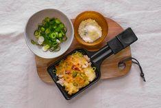 Tijd voor gourmetten 2.0: mac 'n cheese past óók in een minipan. - Recept - Allerhande Mac And Chees, Garlic, Parmigiano Reggiano, Dinner, Macaroni, Kitchen, Recipes, Food, Gourmet
