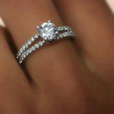 Um anel cheio de diamantes !!!