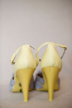 a great pop of yellow on these heels Photography by Simple Color / simple-color.com