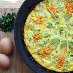 Squash Blossom Frittata #HealthyAperture Veggie Dishes, Veggie Food, Veggie Recipes, Real Food Recipes, Healthy Food Blogs, Good Healthy Recipes, Clean Eating List, Cooking Tips, Cooking Recipes