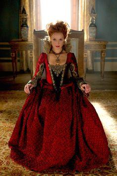 """""""Reign"""" - Queen Elizabeth"""