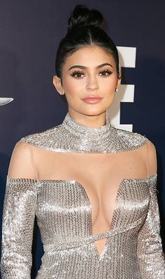 kylie jenner outfits with sneakers Peinados Kylie Jenner, Trajes Kylie Jenner, Kendall Y Kylie Jenner, Kylie Jenner Hair, Looks Kylie Jenner, Estilo Kylie Jenner, Kyle Jenner, Kylie Jenner Outfits, Kendall Jenner Outfits