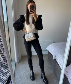 Fall Winter Outfits, Black Jeans, Layers, Autumn, Shorts, How To Wear, Clothes, Instagram, Style