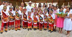El gobernador Javier Duarte de Ochoa encabezó en el Parque Temático Takilhsukut la entrega proyectos productivos que benefician a mil 116 mujeres de 46 municipios de la región del Totonacapan.
