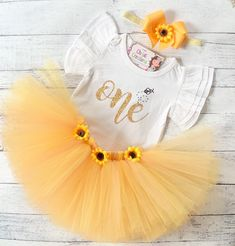 Bee Birthday Outfit, Baby Girl First Birthday Outfit, Honey Bee Birthday, Flutter Sleeve Bodysuit - Sunflower theme - Birthday&Gifts First Birthday Outfit Girl, Baby Girl 1st Birthday, Girl Birthday Themes, Fall Birthday, Birthday Ideas, Birthday Crafts, Geek Birthday, One Year Birthday, Birthday Cake