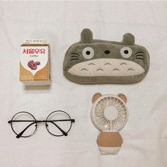 Journal Aesthetic, Korean Aesthetic, Aesthetic Pictures, Warm And Cozy, Milanesa, How To Memorize Things, Nerd, Stationery, Beige