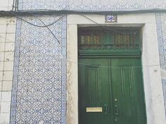 Number 22... #lisboa #lisbon #portugal #igerslisboa #visitlisbon #tiles #azulejos #portuguesetiles #azulejosportugueses #tileaddiction by casadoazulejo