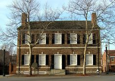 Mary Todd Lincoln House (Lexington) - Home of former first lady, Mary Todd Lincoln; built c. 1803