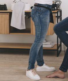 Jean slim push-up femme STONE - Grain de Malice Jeans Slim, Skinny Jeans, Blazer, Push Up, T Shirt, Denim, Pants, Fashion, Pumps