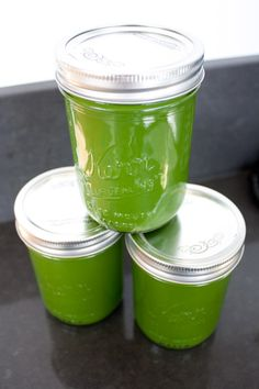Juicing for Dummies. 10 simple tips to making juicing & cleanup as quick and easy as possible! #juicing #juicecleanse