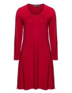 Basic jersey dress by Exelle. Shop now: http://www.navabi.co.nz/dresses-exelle-basic-jersey-dress-black-21913-2300.html?utm_source=pinterest&utm_medium=social-media&utm_campaign=pin-it