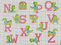 Alfabeto punto croce con dinosauri verdi (2)