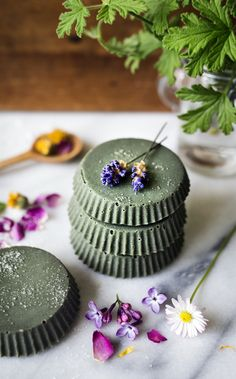 DIY Kroppsskrubb med Grön Lera & Lavendel - Evelinas Ekologiska