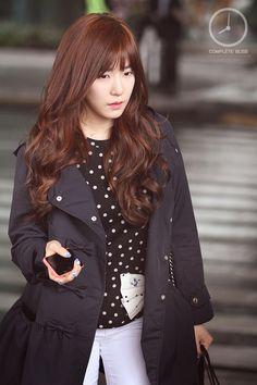 Tiffany Hwang SNSD airport fashion April 2014