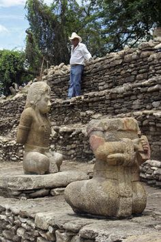 Mexico finds 2 sculptures of Mayan warriors at the Tonina site in southern Chiapas. The captives are from Copan, an ally of Palenque, in the 26 year war against Tonina.