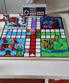 Cupcake Factory, Hama Beads Design, Iron Beads, Pearler Beads, Ely, Bead Art, Beading Patterns, Pixel Art, Board Games