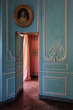 Marie Antoinette's secret passage.  Love that tourqoise