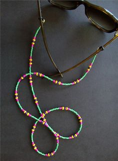Chain for Sunglasses Sunglass Holder Sunglass Lanyard Diy Bracelet, Diy Necklace, Beaded Jewelry, Handmade Jewelry, Beaded Bracelets, Eyeglass Holder, Bijoux Diy, Jewelery, Jewelry Making