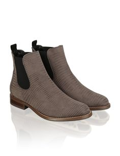 HUMANIC - Pat Calvin Chelsea Boots - http://www.humanic.net/at/Damen/Schuhe/Boots-Stiefeletten/Pat-Calvin-Nubukleder-Boot-taupe-1623611004