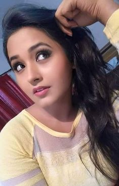 Kajal Raghwani is one of the most popular actresses in the Bhojpuri Film industry. Beautiful Girl Indian, Beautiful Indian Actress, Beautiful Actresses, Beauty Routine 20s, Beauty Tips In Hindi, Bhojpuri Actress, Heroine Photos, Stylish Girl Pic, Shiny Hair