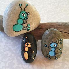 Farverige myrer #Myrer #Ants #Bogø #Fantasi #Fantasy #Hygge #Mintid #Maletsten #Malpåsten #Pynt #Posca #Paintedrocks #Paintedstone #Rockpainting #Sten #Stone #Minesten