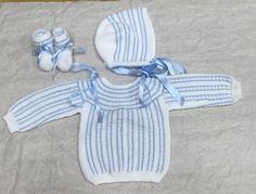 Conjunto de una alumna aventajada para su futuro nieto, modelo clásico. Patrones y materiales de @clubdelabores @modainfantilmadeinspain #clubdelaboresmadrid #handmade #knitting #knittingbaby