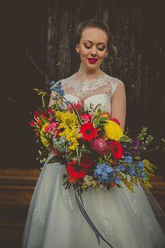 TROPICAL PINEAPPLE WEDDING IDEAS | Bespoke-Bride: Wedding Blog