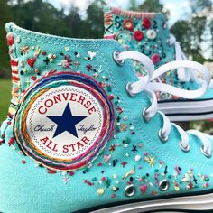 Embroidered Turquoise Converse Swag🦋📿 Sports shoes doesn't have to be boring! taking basic Converse shoes to a cool chic… Custom Shoes, Custom Clothes, Diy Clothes, Boho Hippie, Learning To Embroider, Style Boho, Aesthetic Shoes, Cute Embroidery, Hand Embroidery
