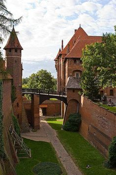 Castelos medievais: Castelo de Malbork, Marienburg,
