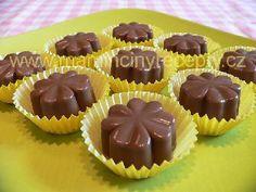 Kaštanové čtyřlístky – Maminčiny recepty Christmas Cookies, Muffin, Chocolate, Breakfast, Recipes, Advent, Food, Gummi Candy, Bakken